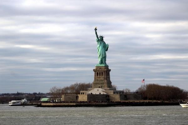 ニューヨークと自由の女神像