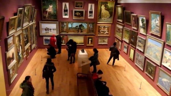 美術館の絵画展