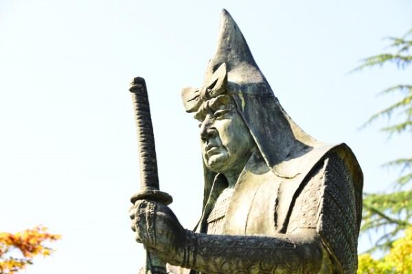 上杉謙信の銅像