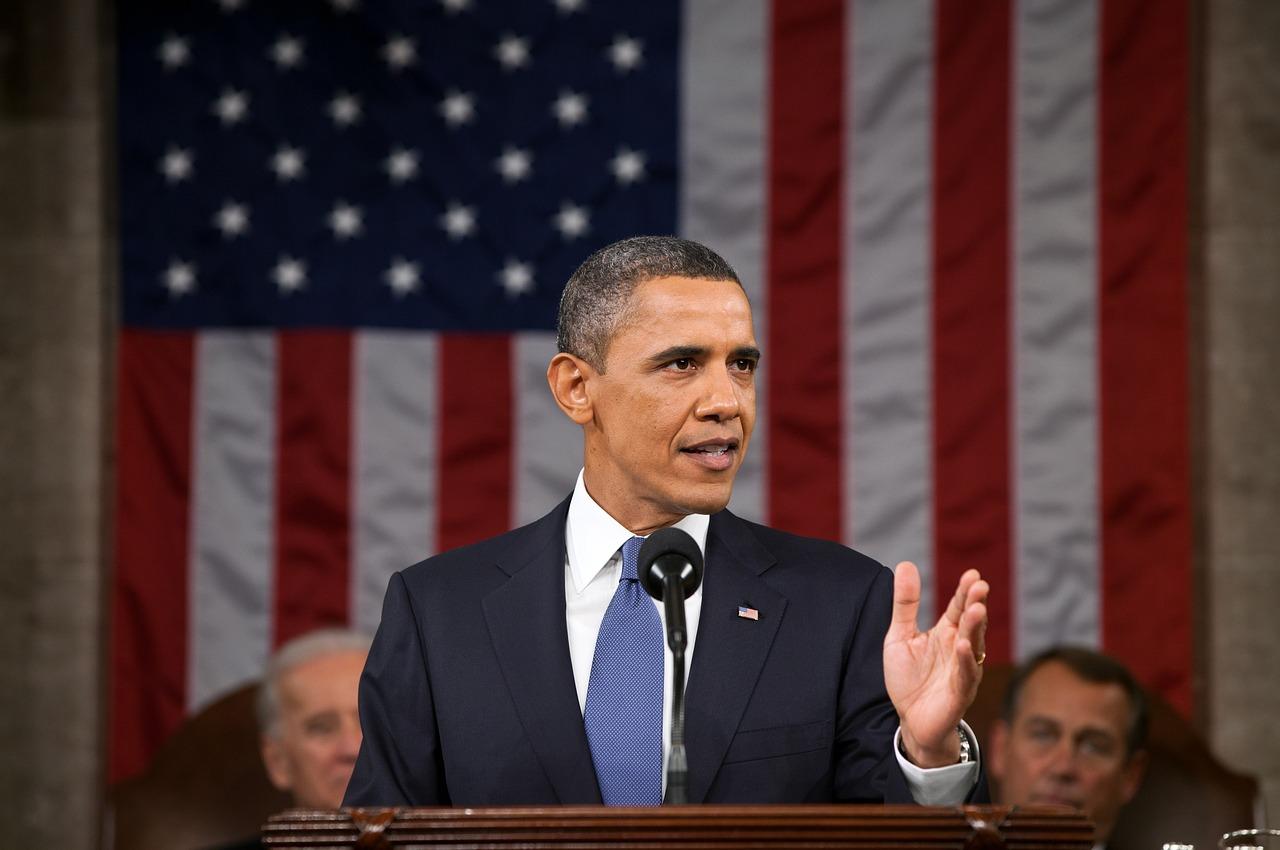 オバマ大統領と星条旗